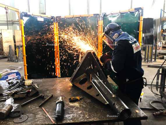 biombos-para-trabajos-en-soldadura